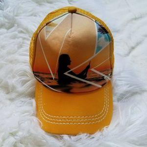 ROXY 💛 SURFER HAT